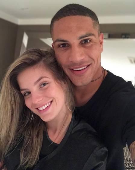 Guerrero recebe apoio de namorada em semana decisiva para seleção peruana