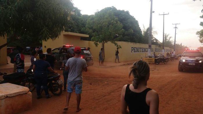Cerca de 75 presos fogem de presídio do Piauí depois de rebelião