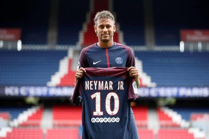 Neymar e Cavani não se falam durante treino do PSG